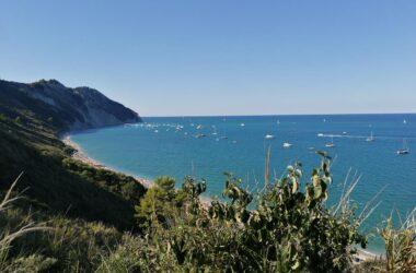 Diario di viaggio nelle Marche: una giornata in spiaggia a Mezzavalle